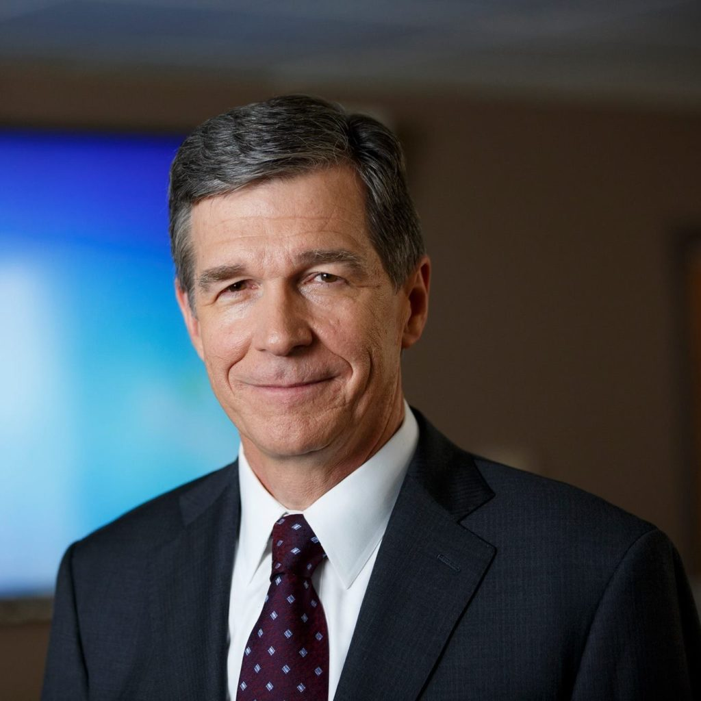 headshot Roy Cooper